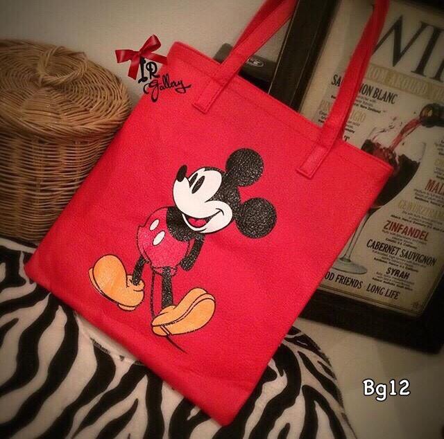 กระเป๋าสะพายแฟชั่น กระเปาสะพายข้างผู้หญิง หนังนิ่มอย่างดี เพ้นลายมิกกี้น่ารัก [สีแดง ]