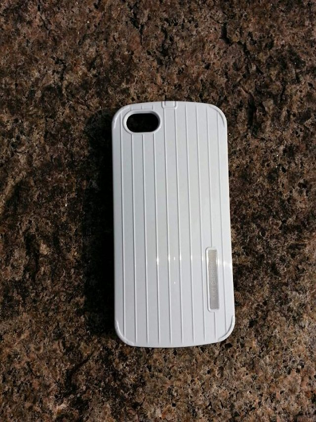 เคสฝาหลัง iPhone5/5s อลูมิเนียม ทรงอินเทรนด์ (สีขาว)