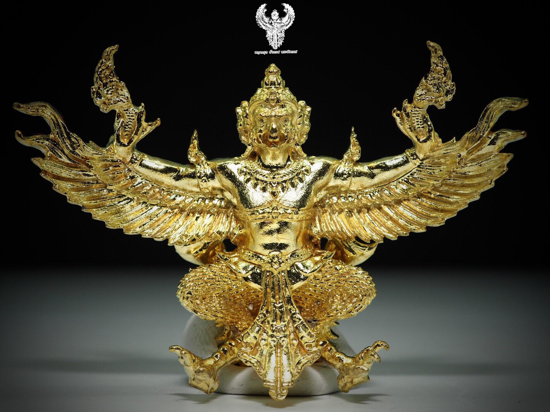 พญาครุฑทรงฤทธิ์บังเกิดทรัพย์ ที่รฤกวาระเปิดศาลพ่อปู่พญาครุฑ เนื้อทองเบญจา รุ่น2