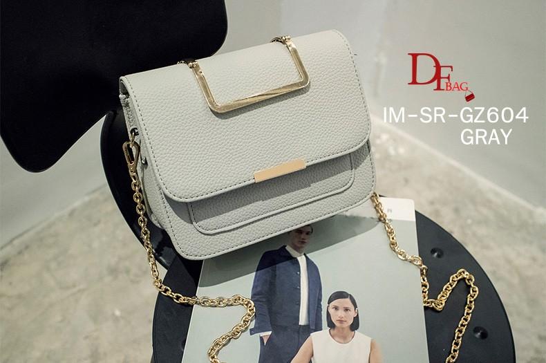 กระเป๋าเป้ผู้หญิง กระเป๋าสะพายหลังแฟชั่น ประดับอะไหล่ทอง หนัง PU คุณภาพดี [สีเทา ]