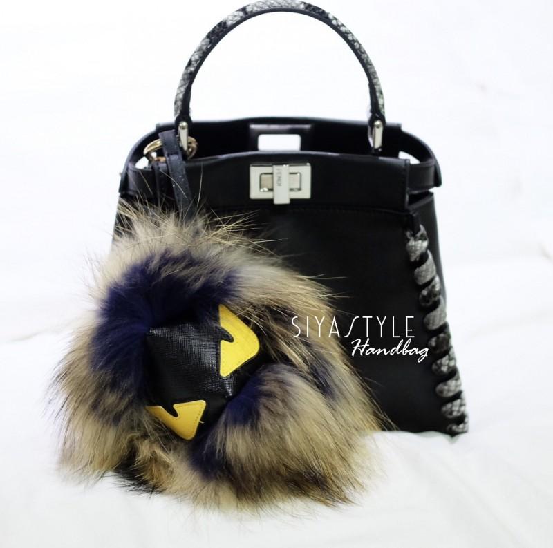สายสะพายกระเป๋า Fendi Monster [สีดำ]