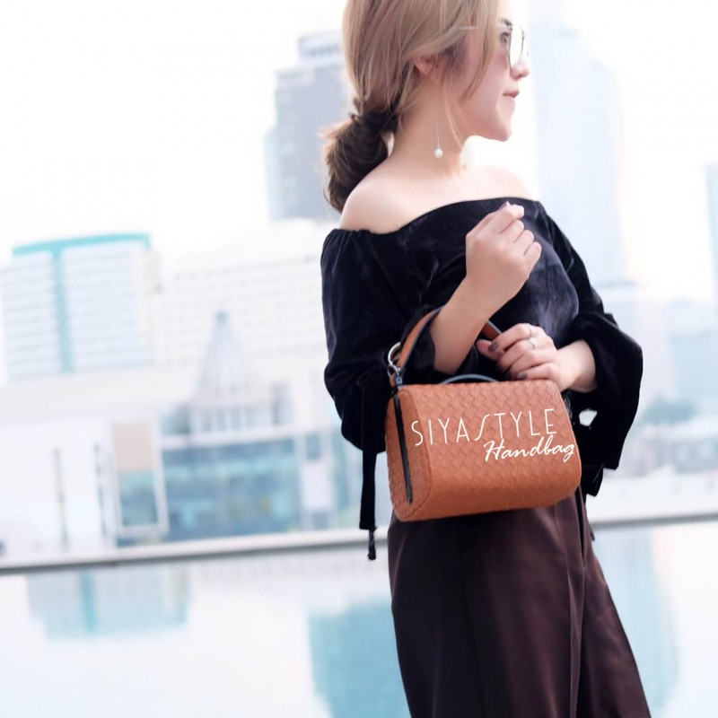 กระเป๋าสะพายแฟชั่น กระเป๋าสะพายข้างผู้หญิง กระเป๋าสะพายข้าง BOX [สีดำ]