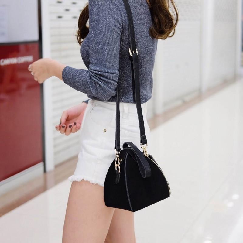 กระเป๋าสะพายแฟชั่น กระเป๋าสะพายข้างผู้หญิง หนังกลับทรงฟักทอง มินิ น่ารัก [สีดำ ]