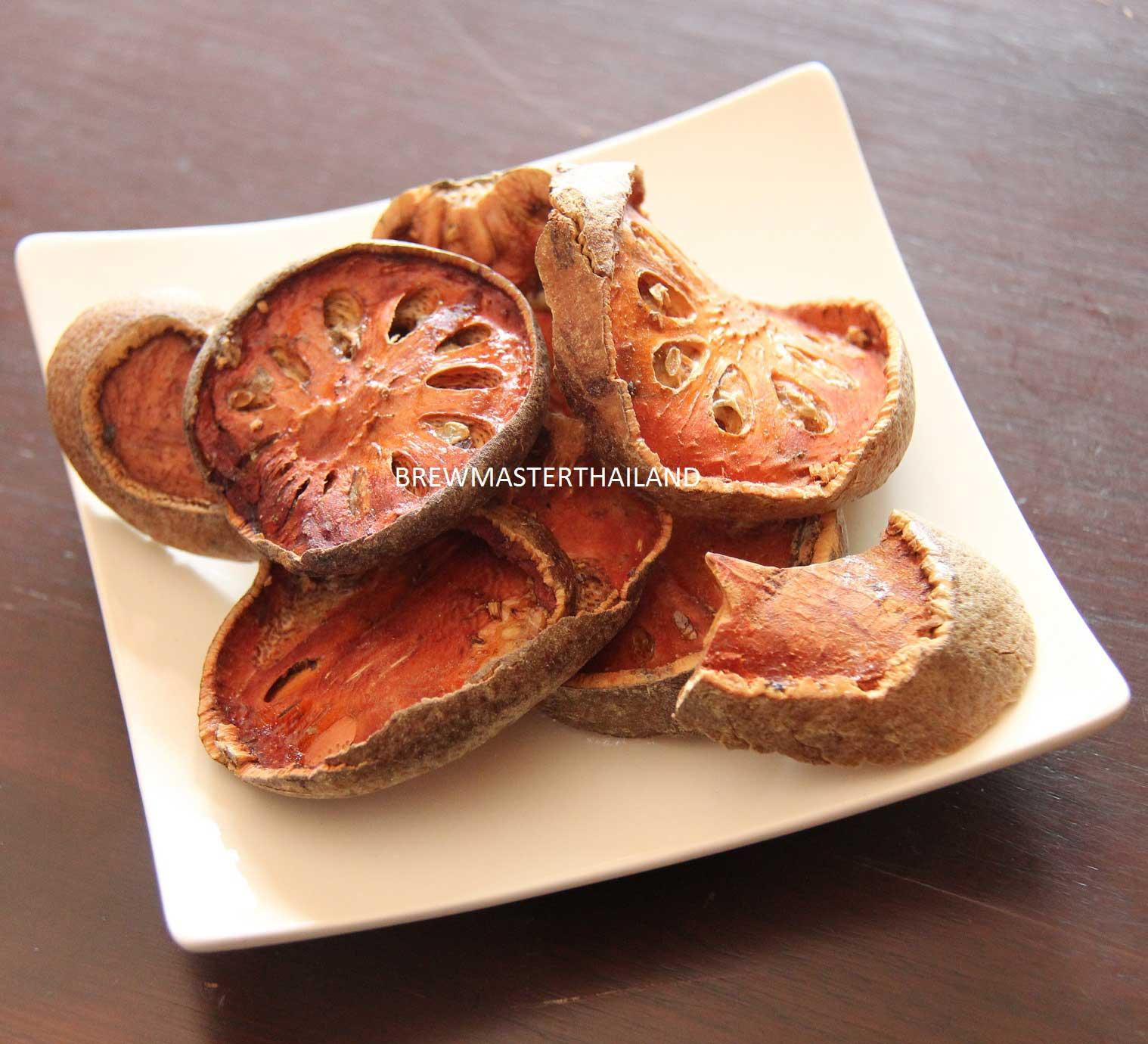 มะตูมอบแห้ง - Dried Bael fruit (4 oz)
