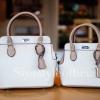 กระเป๋าสะพายแฟชั่น กระเป๋าสะพายข้างผู้หญิง The BOX 22 CM [สีครีม]
