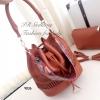 กระเป๋าสะพายแฟชั่น กระเป๋าสะพายข้างผู้หญิง หนังพียูคุณภาพทรงขนมจีบรูด ฉลุลาย Style Bohemian Size M [สีน้ำตาล ]