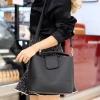 กระเป๋าสะพายแฟชั่น กระเป๋าสะพายข้างผู้หญิง หนังPU ทรงตัวยู [สีดำ ]