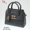 กระเป๋าถือแฟชั่น ประดับอะไหล่ทอง พวงกุญแจหมี [สีดำ ]