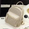 กระเป๋าเป้ผู้หญิง กระเปาสะพายหลังแฟชั่น ดีไซน์เป็นเอกลักษณ์ Issey Miyake Bao Bao [สีกากี ]