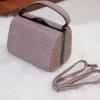 กระเป๋าสะพายแฟชั่น กระเป๋าสะพายข้างผู้หญิง หนังลายสาน ขนาดกระทัดรัด [สีนู๊ด ]