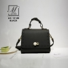 กระเป๋าสะพายกระเป๋าถือ แฟชั่นนำเข้าสไตล์เรียบหรู AX-12148-BLK [สีดำ]