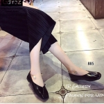 พร้อมส่ง รองเท้าคัทชูส้นแบนสีดำ หัวตัด กำไรข้อเท้าไข่มุก แฟชั่นเกาหลี [สีดำ ]