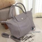 กระเป๋าสะพายแฟชั่น กระเป๋าสะพายข้างผู้หญิง แบบชนช้อป Longchamp Le Pliage Cuir size M [สีเทา ]