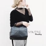 กระเป๋าสะพายแฟชั่น กระเป๋าสะพายข้างผู้หญิง งานGlow หนังพียูนิ่ม จะถือก็สวยสะพายก็สวย [สีดำ ]