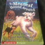 The Meanest Hound Around by Carol Wallace, Bill Wallace ราคา 100