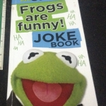 The Muppets: Frogs Are Funny! Joke Book ราคา 100