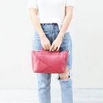 กระเป๋าสะพายแฟชั่น กระเป๋าสะพายข้างผู้หญิง กระเป๋าดีไซด์เก๋ เอนกประสง ถือก็ได้สะพายก็เท่ หนังPU [สีแดง ]