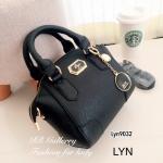 กระเป๋าถือ กระเป๋าสะพายข้างผู้หญิง วัสดุหนังพียูคุณภาพพรีเมี่ยม Lyn Alicia s [สีดำ ]