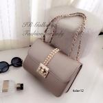 กระเป๋าสะพายแฟชั่น กระเป๋าสะพายข้างผู้หญิง แต่งอะไหล่หมุดทอง Style Valentino [สีทอง ]