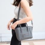 กระเป๋าสะพายแฟชั่น กระเป๋าสะพายข้างผู้หญิง งานซิลิโคน ซีลีนคลาสสิค (CELINE CLASSIC) อะไหล่เงิน [สีเทาเข้ม ]