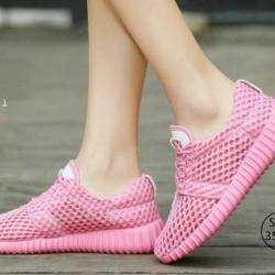 พร้อมส่ง รองเท้าผ้าใบเสริมส้นสีชมพู ผ้าตาข่าย น้ำหนักเบา แฟชั่นเกาหลี [สีชมพู ]