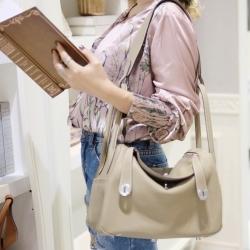 กระเป๋าสะพายแฟชั่น กระเป๋าสะพายข้างผู้หญิง Lindy 28 หนังแท้ ใช้ทั้งคล้องแขน สะพายไหล่ [สีน้ำตาล ]