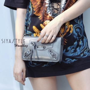กระเป๋าตัง กระเป๋าเงินผู้หญิง ซิปหน้าสะพายได้ Balencia [สีเทา ]