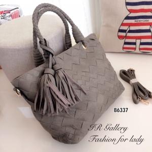 กระเป๋าถือแฟชั่น กระเป๋าสะพายข้างผู้หญิง งานหนังพียู ดีไซน์หนังสาน Style Bottega [สีเทา ]