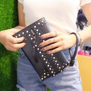 กระเป๋าคลัทช์ กระเป๋าถือผู้หญิง งานหนังพียูเกรดอย่างดี พร้อมสายสะพายยาว [สีดำ ]
