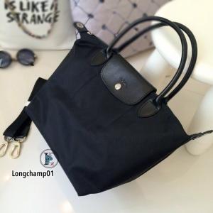 กระเป๋าถือ กระเป๋าสะพายข้างผู้หญิง งานพรีเมี่ยม แบบชนช้อป วัสดุไนล่อน Longchamp [สีดำ ]