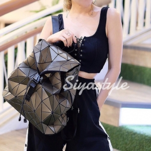 กระเป๋าเป้ผู้หญิง กระเป๋าสะพายหลังแฟชั่น เป้เพชร [สีทอง]