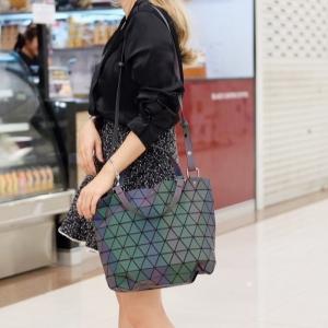 กระเป๋าสะพายแฟชั่น กระเป๋าสะพายข้างผู้หญิง Barel Big สีรุ้ง Logo [สีรุ้ง]