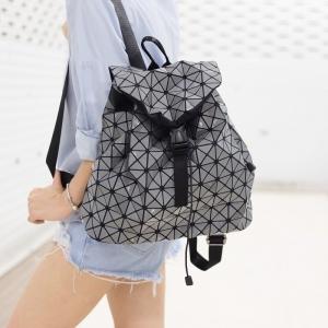 กระเป๋าเป้ผู้หญิง กระเป๋าสะพายหลังแฟชั่น ขนาดกำลังพอดี ISSEY MIYAKE BAO BAO [สีเทา ]