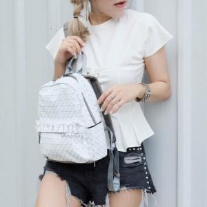 กระเป๋าเป้ กระเป๋าสะพายข้าง เป้ Bao Bao บล้อคเล็ก Logo (ใบเล็ก) [สีขาว]