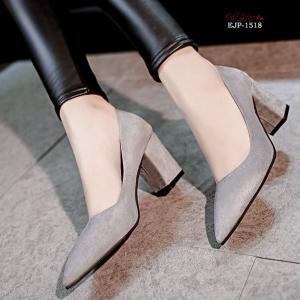 พร้อมส่ง รองเท้าคัทชูส้นตันสีเทา หัวแหลม ผ้าสักหราด แฟชั่นเกาหลี [สีเทา ]