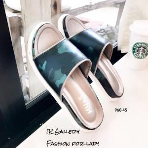 พร้อมส่ง รองเท้าแตะแฟชั่นสีเงิน หนังนิ่ม พิมล์ลายพราง แฟชั่นเกาหลี [สีเงิน ]