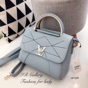 กระเป๋าถือ กระเป๋าสะพายข้างผู้หญิง หนังพียูงานดี ดีเดลเดินด้ายแบบมีลวดลาย Style LV [สีฟ้า ]