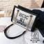 กระเป๋าแฟชั่นงานนำเข้าทรงยอดฮิตปักเลื่อมวิ๊บวับ MB18-01604-SIL (สีเงิน) thumbnail 1
