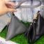 กระเป๋าถือ กระเป๋าคลัทช์ ทรงสามเหลี่ยมเล็ก หนังพียู [สีเทา ] thumbnail 3