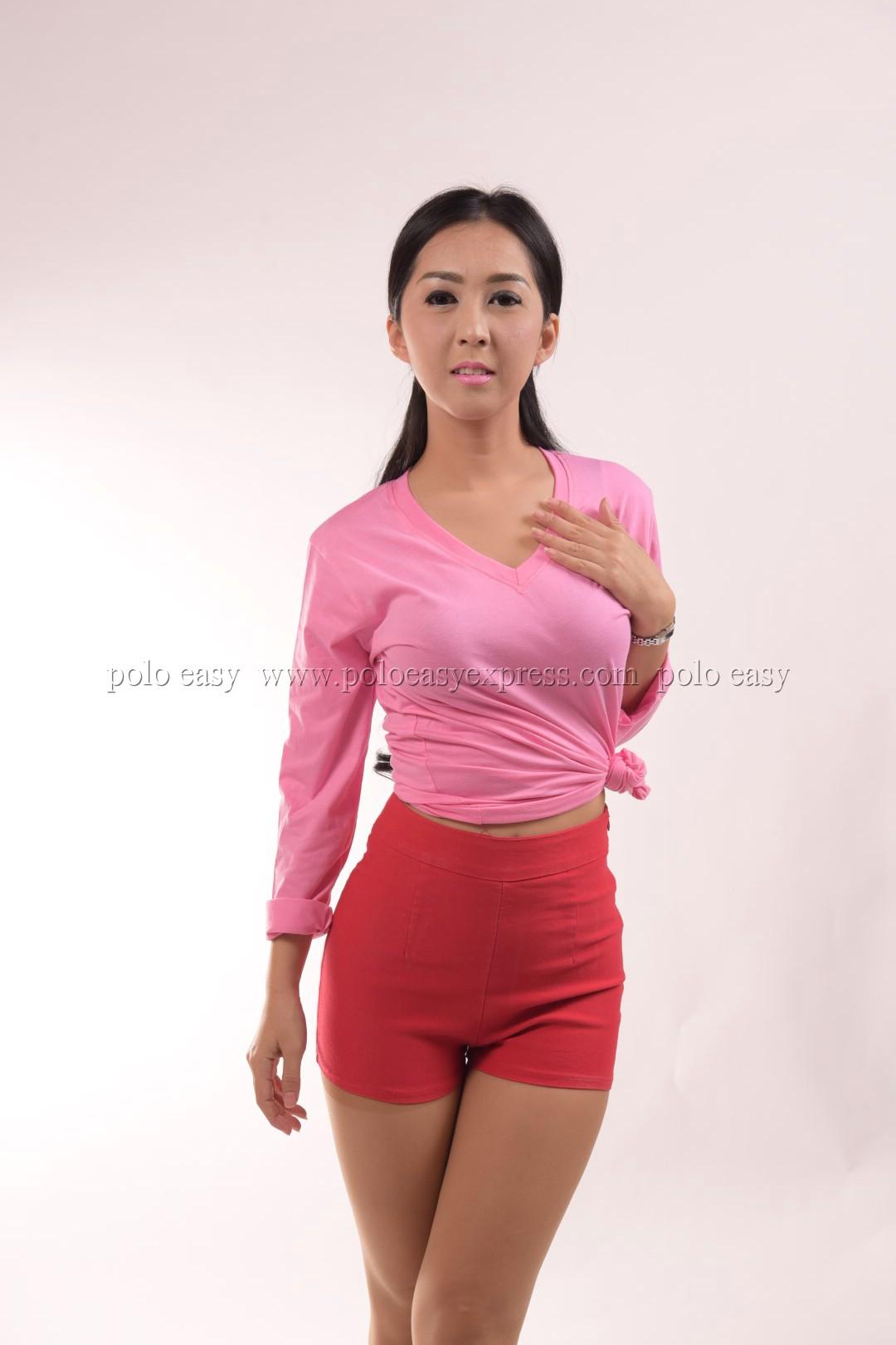 เสื้อยืด สีชมพูอ่อน คอวี แขนยาว Size L สำเนา