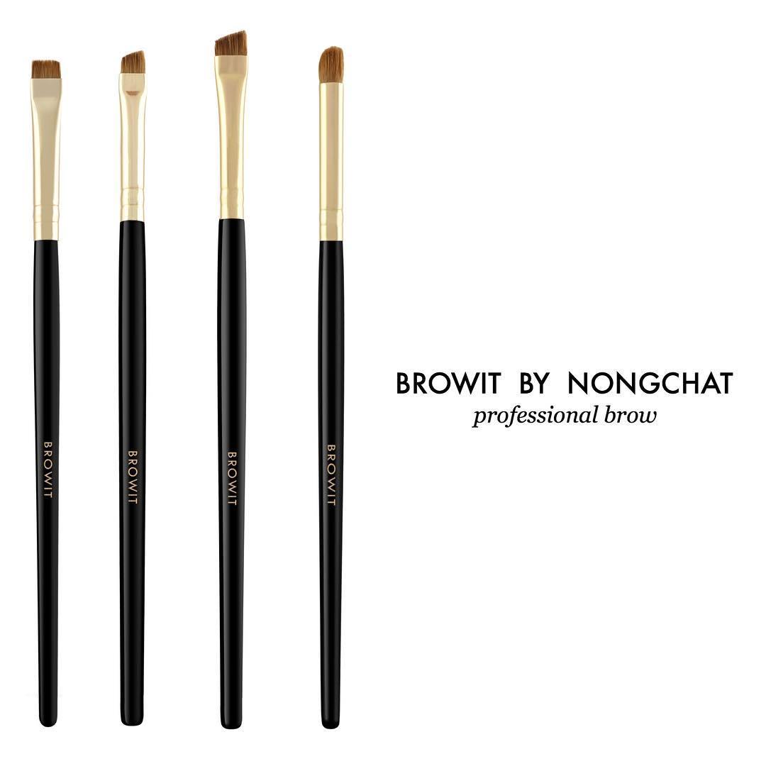แปรงเขียนคิ้วน้องฉัตร Browit By NongChat Professional Blending Brush
