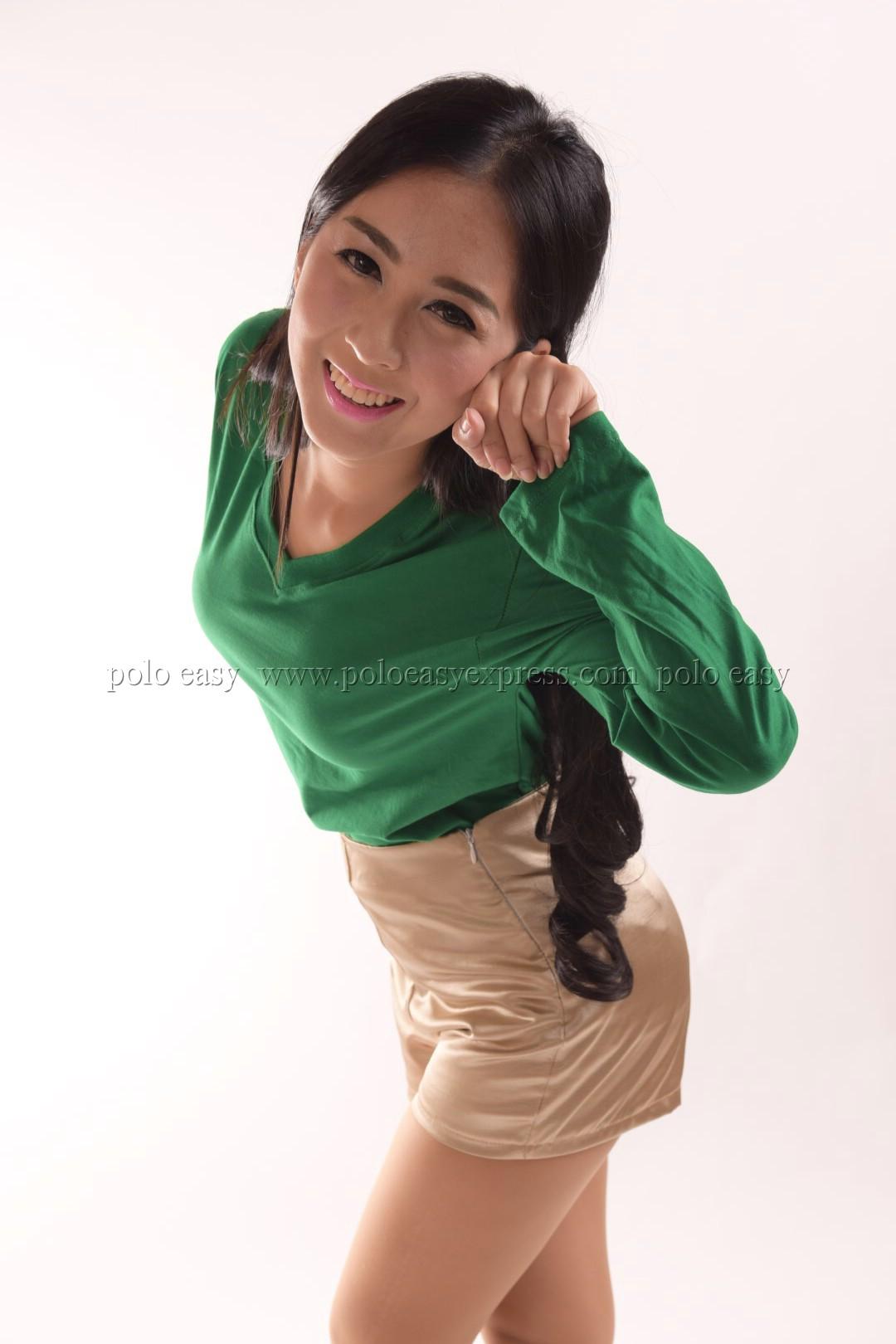 เสื้อยืด สีเขียวใบไม้ คอวี แขนยาว Size 3XL