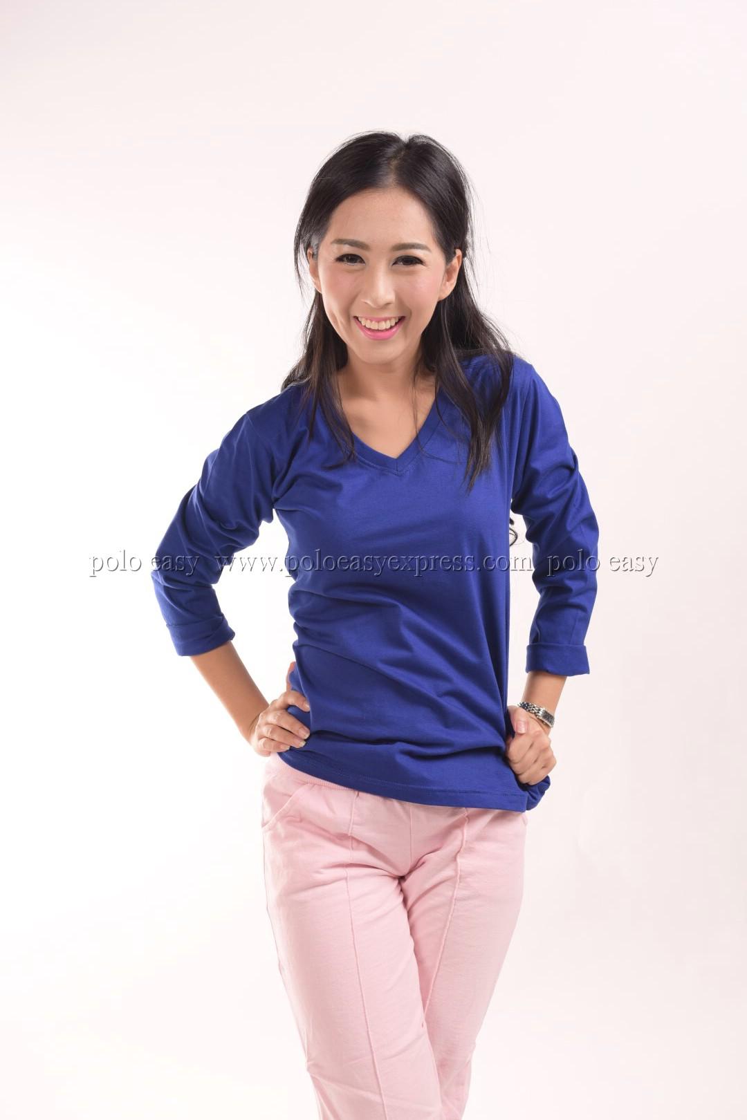 เสื้อยืด สีน้ำเงิน คอวี แขนยาว Size L