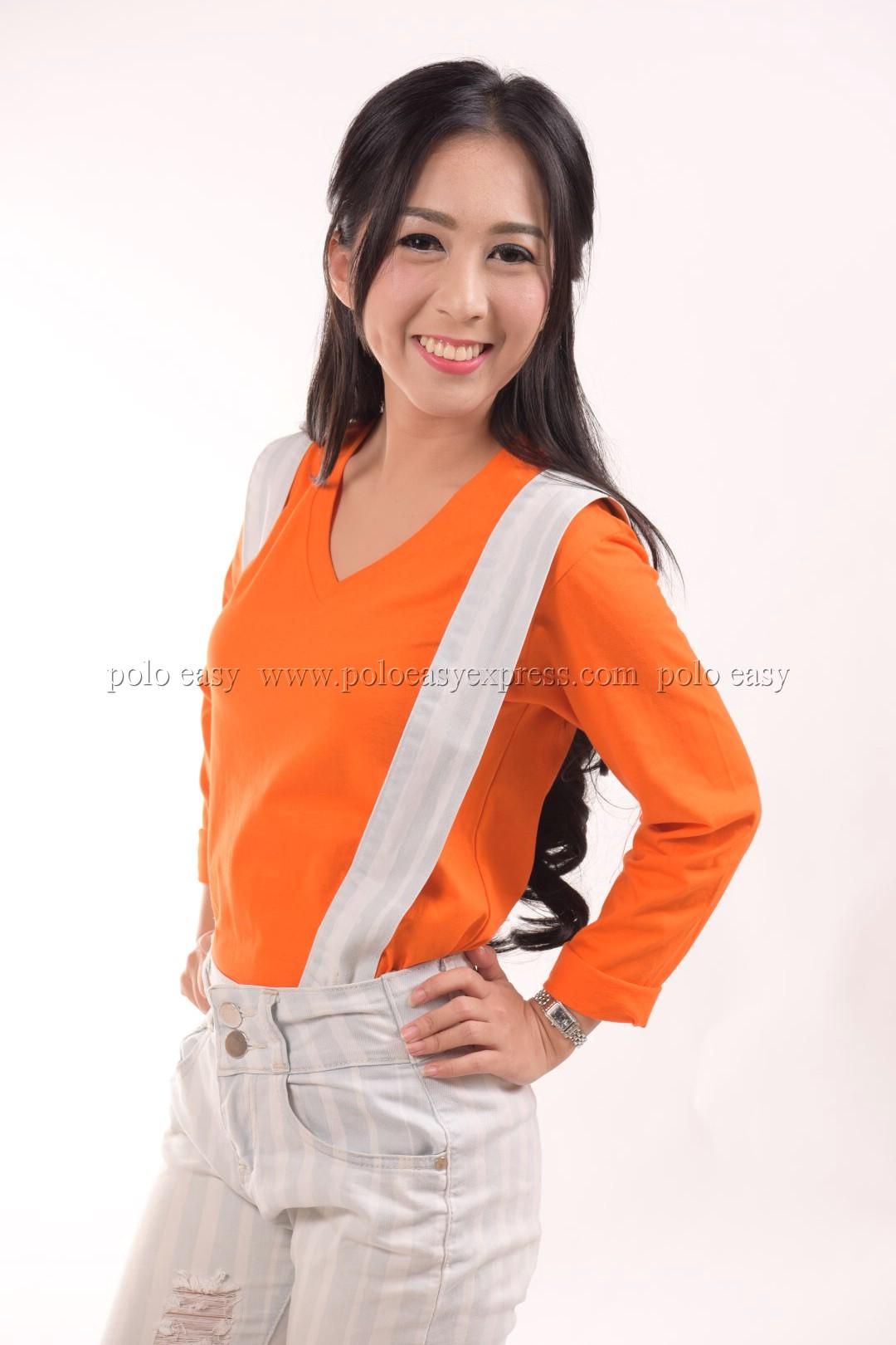เสื้อยืด สีส้ม คอวี แขนยาว Size L